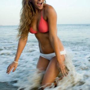 1339006956_sexy_beach_babes_48